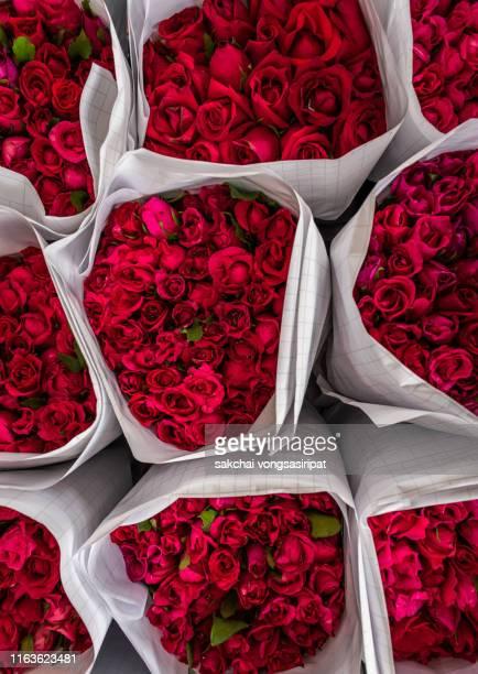 close-up of red roses bouquet, thailand - mazzo di rose foto e immagini stock