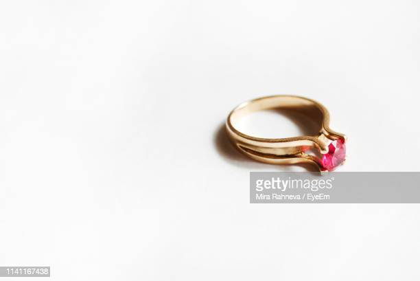 close-up of ring on white background - ring stock pictures, royalty-free photos & images