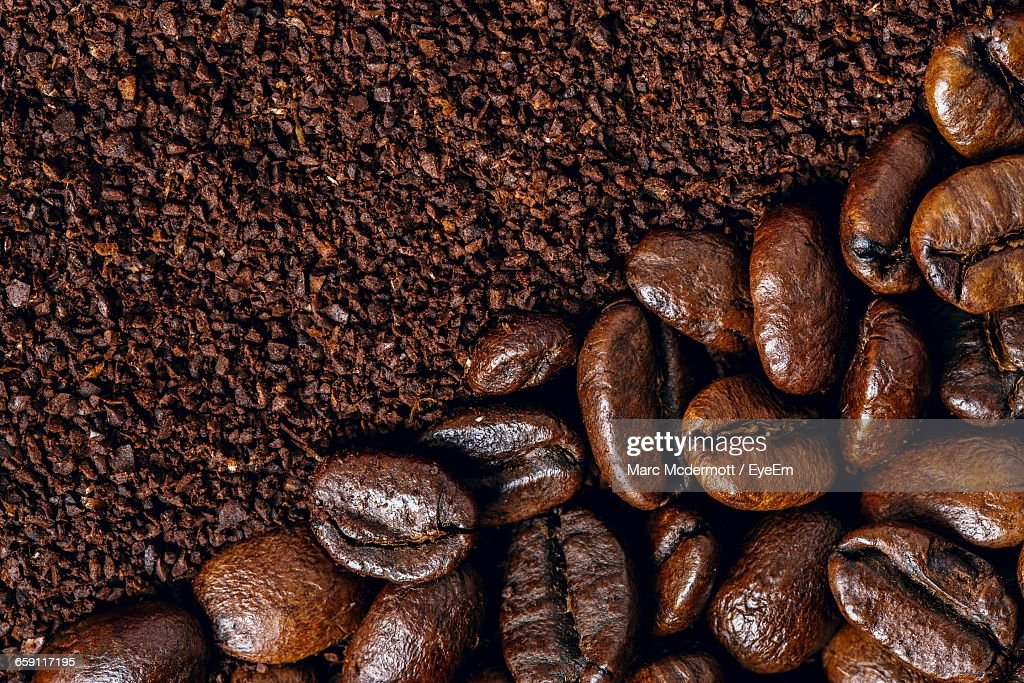 Close-Up Of Roasted Coffee Beans : Foto de stock