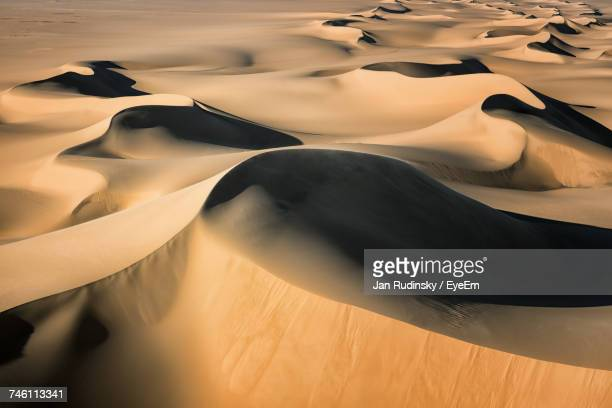 close-up of sand dune in desert - cairo stock pictures, royalty-free photos & images