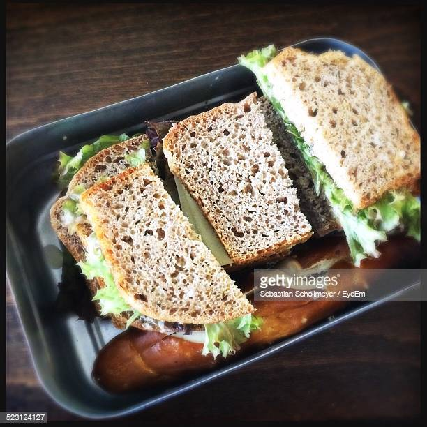 Close-Up Of Sandwich mit Lunchpaket