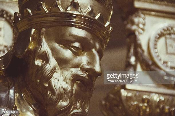 close-up of statue at historical place - crown close up stock pictures, royalty-free photos & images