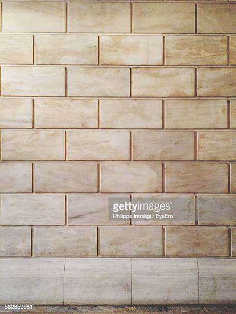 close-up of stone wall - stone wall stock pictures, royalty-free photos & images