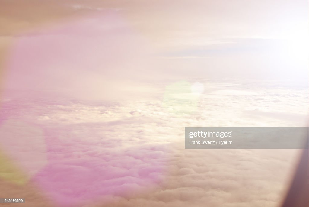 Close-Up Of Sun Shining Through Clouds : Stock-Foto