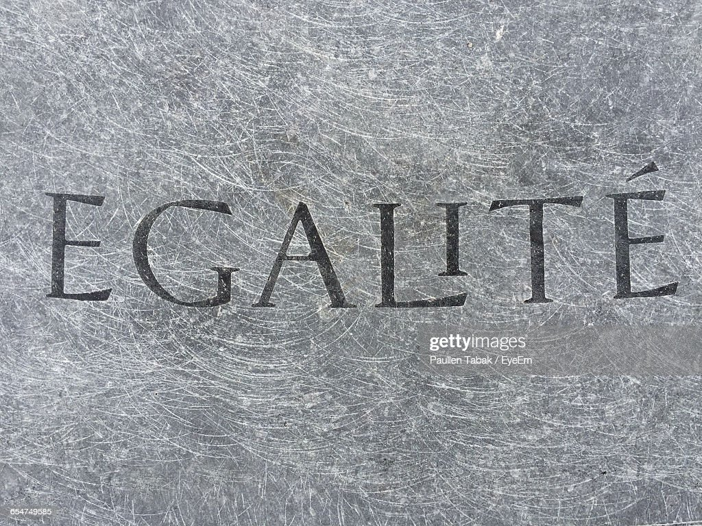 Close-Up Of Text On Wall : Stockfoto