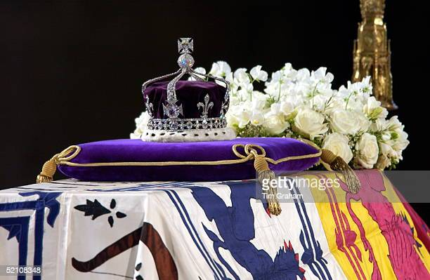 Close-up Of The Coffin With The Wreath Of White Flowers And The Queen Mother's Coronation Crown With The Priceless Koh-i-noor Diamond.
