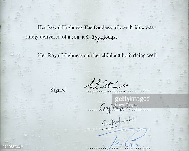 A closeup of the easel which stands in the Forecourt of Buckingham Palace to announce the birth of a baby boy at 424pm to the Duke and Duchess of...
