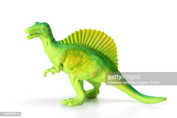 close-up of toy on white background - dinosaure photos et images de collection