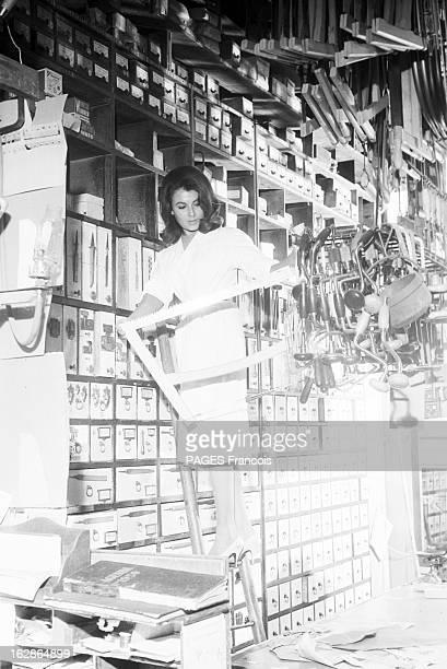 CloseUp Of Valerie Lagrange En France le 6 août 1959 à l'occasion du tournage du film 'La Jument verte' du réalisateur Claude AUTANTLARA portrait de...