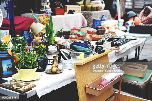 close-up of various objects displayed for sale - flea market stock pictures, royalty-free photos & images
