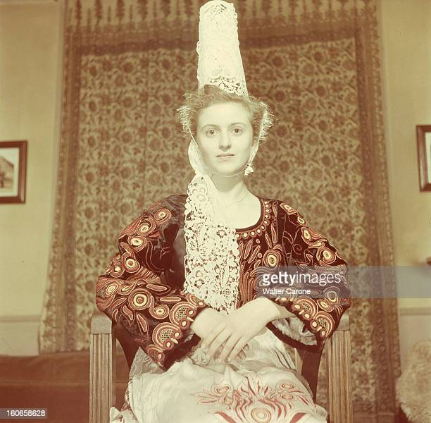 Close-up Of Violette Verdy. Portrait de la danseuse Violette VERDY assise en costume de bigoudène.
