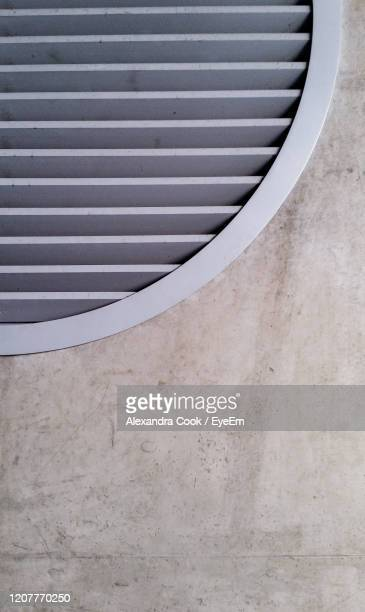 close-up of wall with ventilation grate - girdle stock pictures, royalty-free photos & images