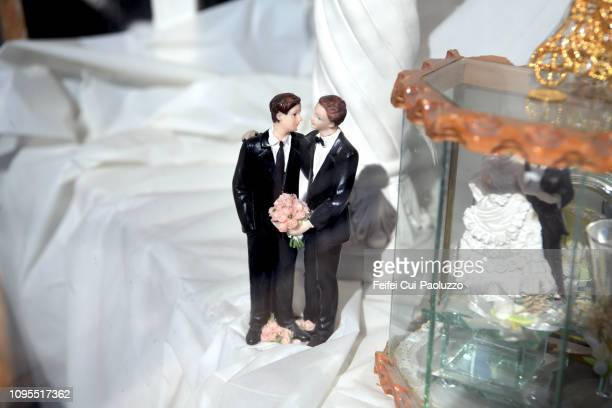 close-up of wedding groom figurines at el paso, texas, usa - marriage equality stock pictures, royalty-free photos & images