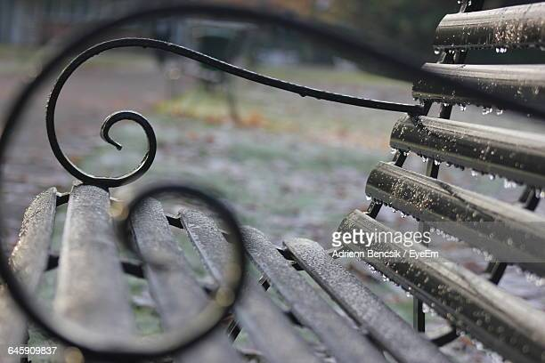 close-up of wet park bench - wet stock pictures, royalty-free photos & images