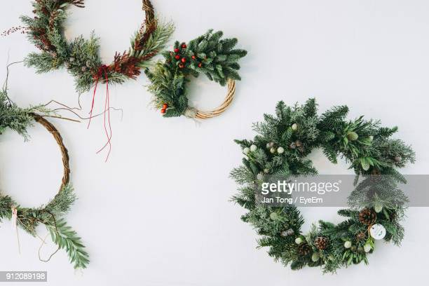 close-up of wreath - wreath stock pictures, royalty-free photos & images