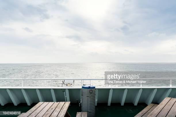 close-up on a ferry. - 船のデッキ ストックフォトと画像