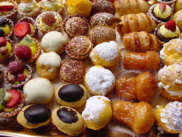 close-up photo of delicious italian pastries - 餐後甜品 個照片及圖片檔