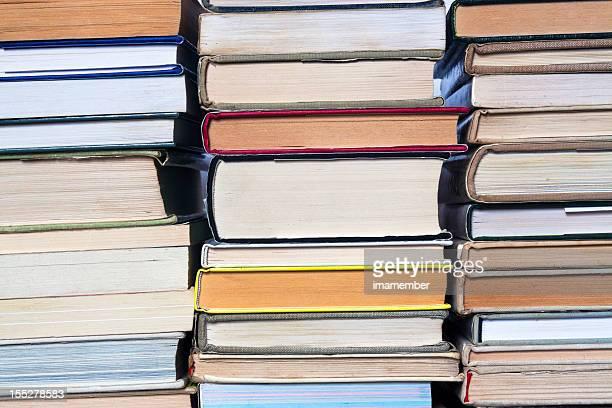 Pilhas de livros, grande secondhand