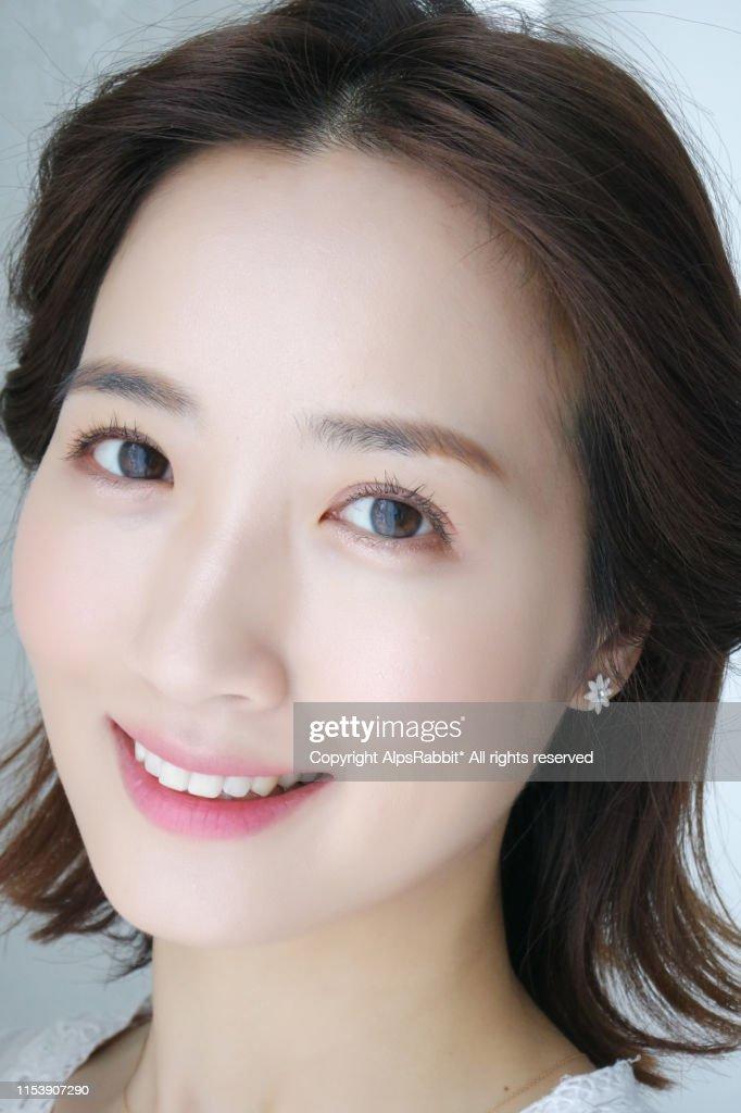 Close-up portrait of beautiful woman,Smiling : 圖庫照片
