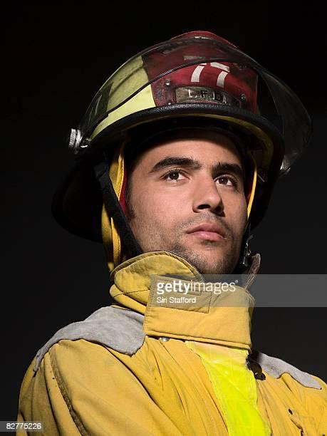 close-up portrait de pompier