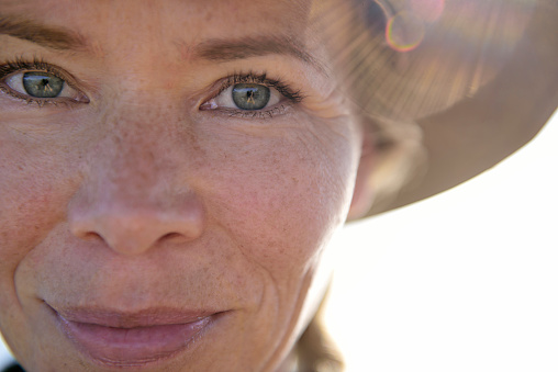 Close-up portrait of smiling woman - gettyimageskorea