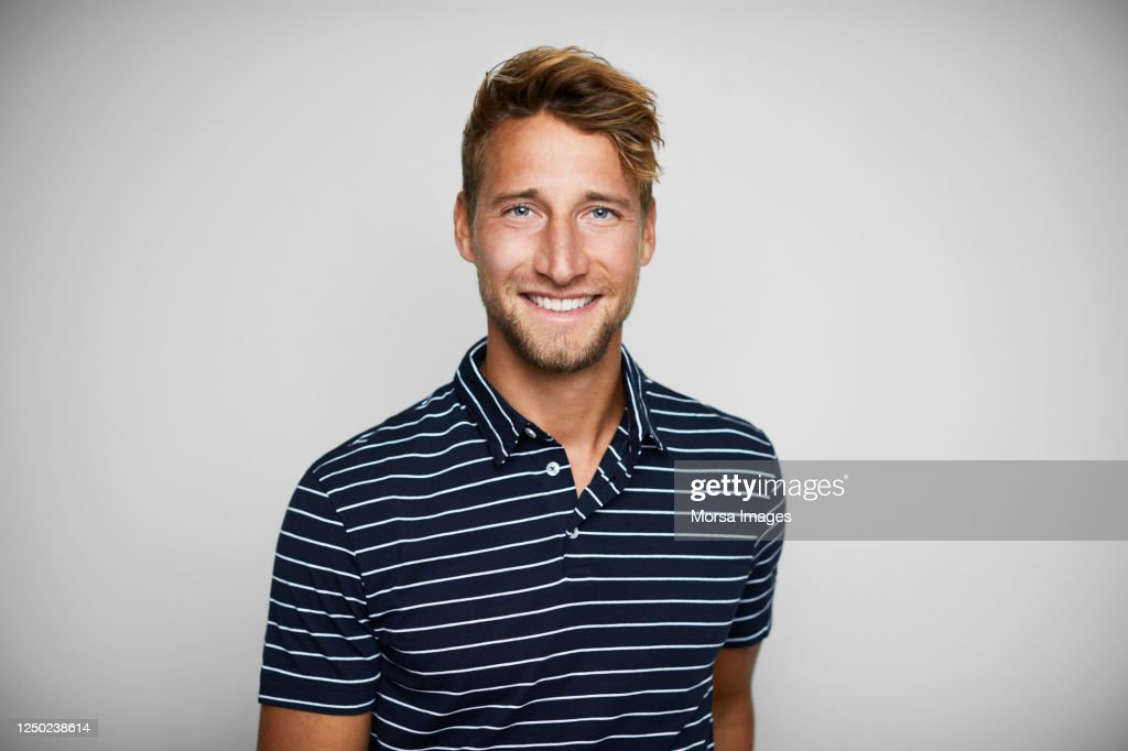 Close-up Portrait Of Smiling Young Man. : Stock-Foto