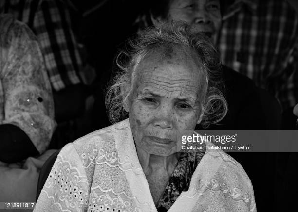 close-up portrait of woman - chatchai thalaikham stock pictures, royalty-free photos & images
