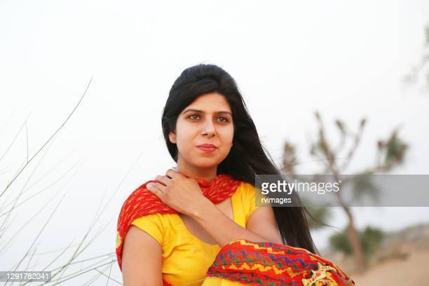 close-up portrait of young indian women - 20 29 years stock pictures, royalty-free photos & images