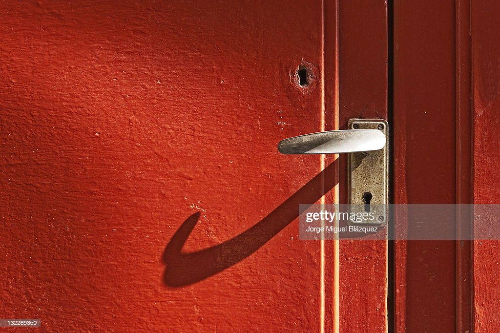 Close-up red door : Foto de stock