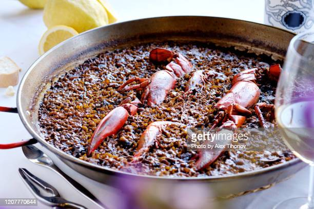 closeup seafood paella dish - red lobster restaurant stock pictures, royalty-free photos & images