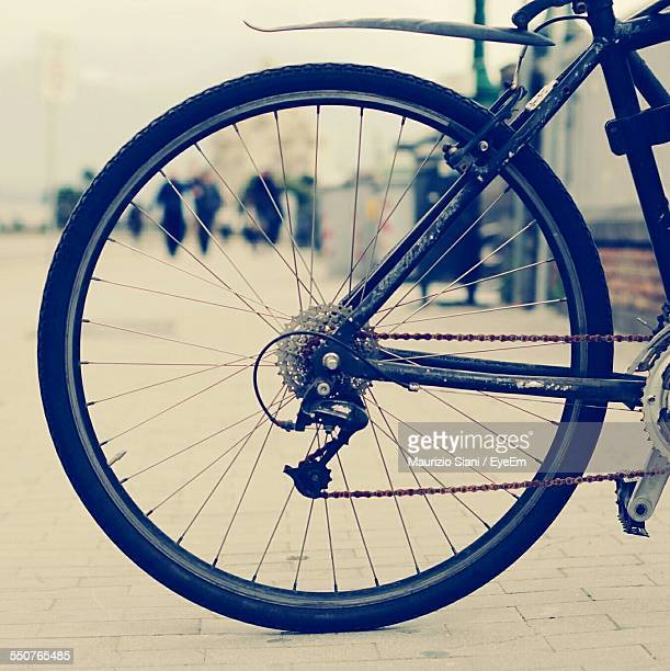 close-up side view of cropped bicycle - wheel stock pictures, royalty-free photos & images