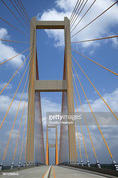 close-up view of 2 towers of a cable-stayed bridge - timothy hearsum ストックフォトと画像