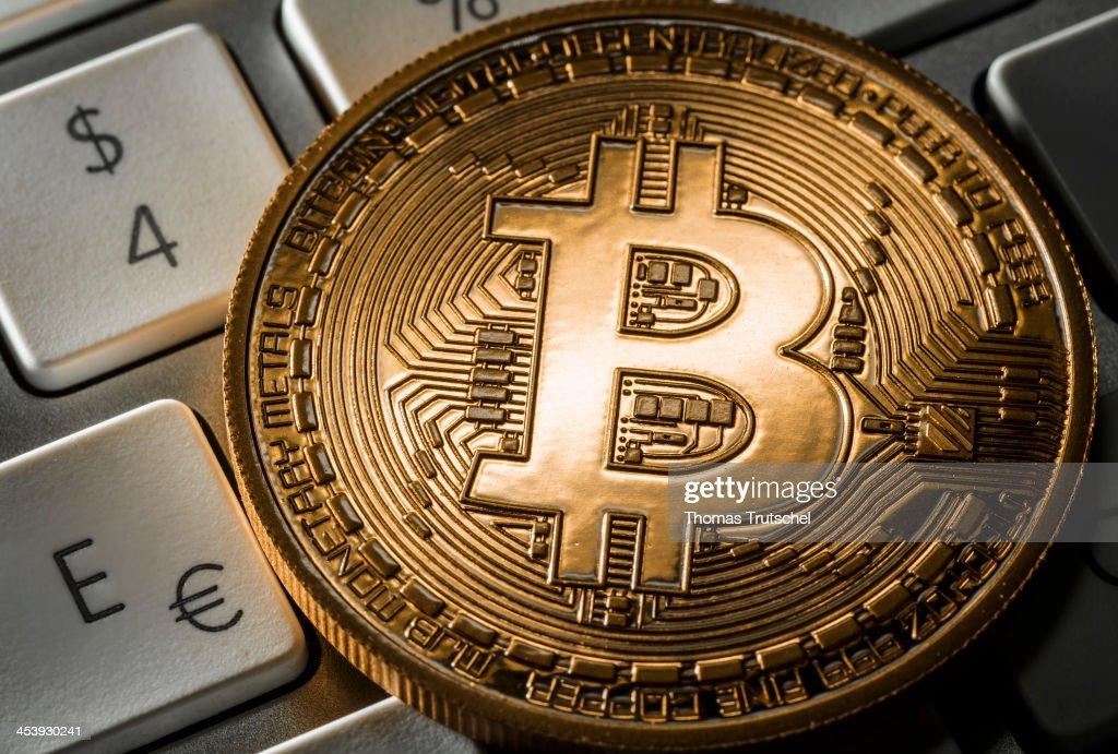 Banks Warn Of Bitcoin Risks : News Photo