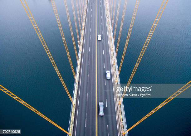 close-up view of bridge - verkehrswesen stock-fotos und bilder