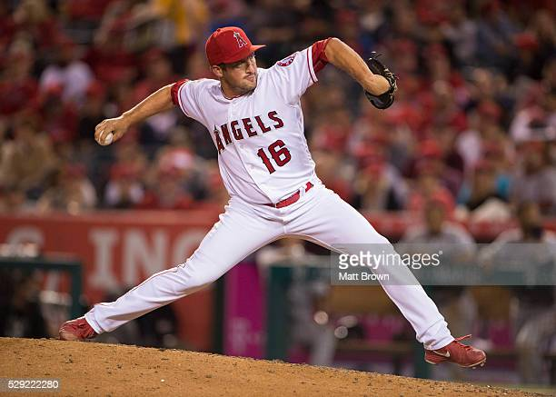 Closing pitcher Huston Street of the Los Angeles Angels of Anaheim pitches during the ninth inning of the game against the Seattle Mariners at Angel...