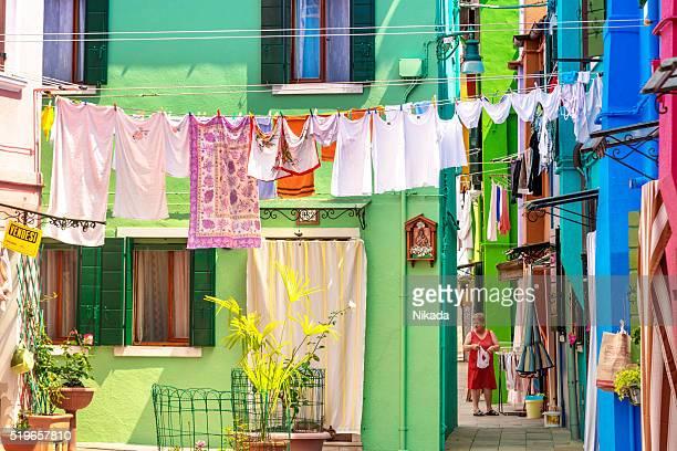 Vestiti appesi fuori a secco, Venezia: isola di Burano
