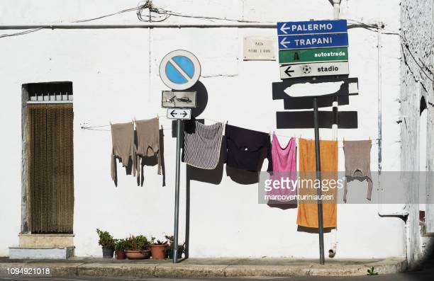 clothes line ouside the front door