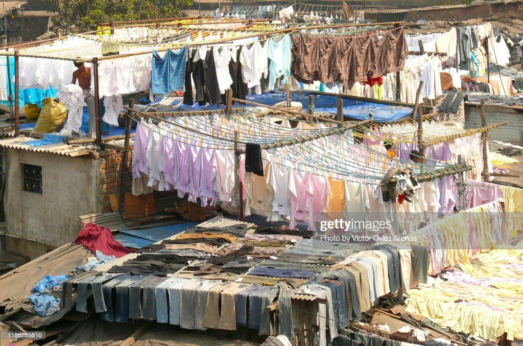 Clotheslines at the Dhobi Ghat, the World's Largest Outdoor Laundry in Mumbai, Maharashtra, India : Foto de stock