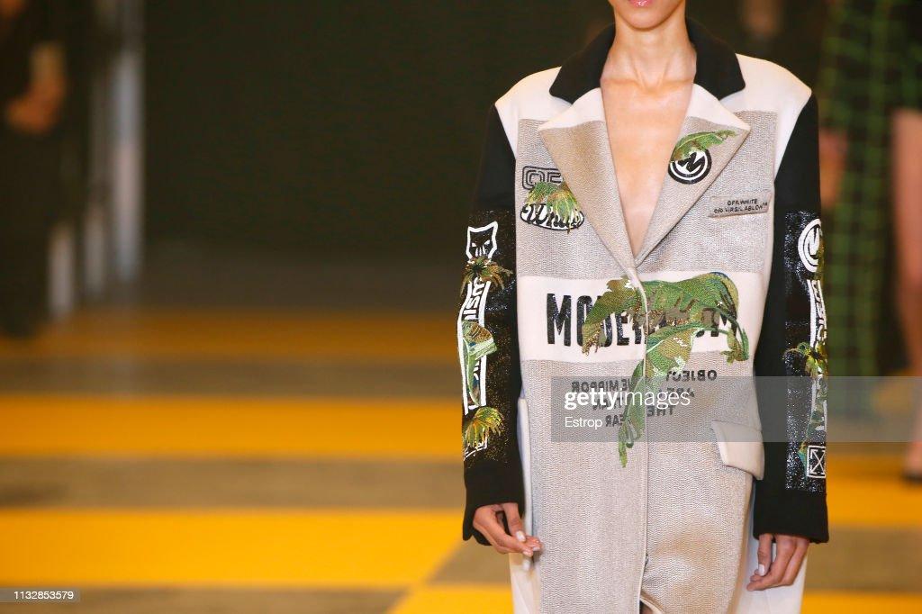Off-White : Details - Paris Fashion Week Womenswear Fall/Winter 2019/2020 : ニュース写真