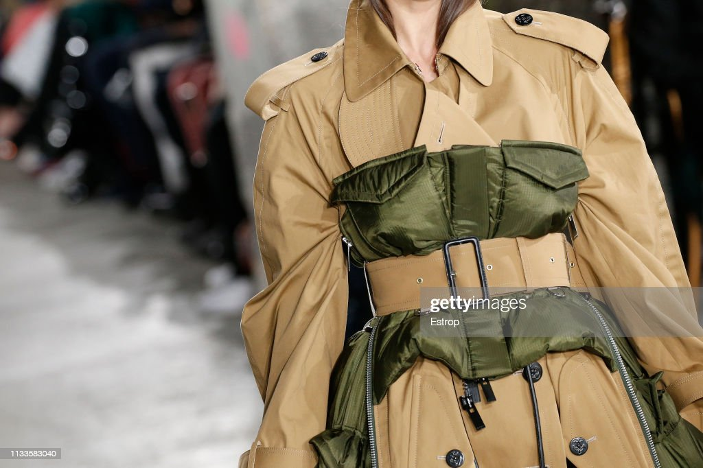 Sacai : Details - Paris Fashion Week Womenswear Fall/Winter 2019/2020 : ニュース写真