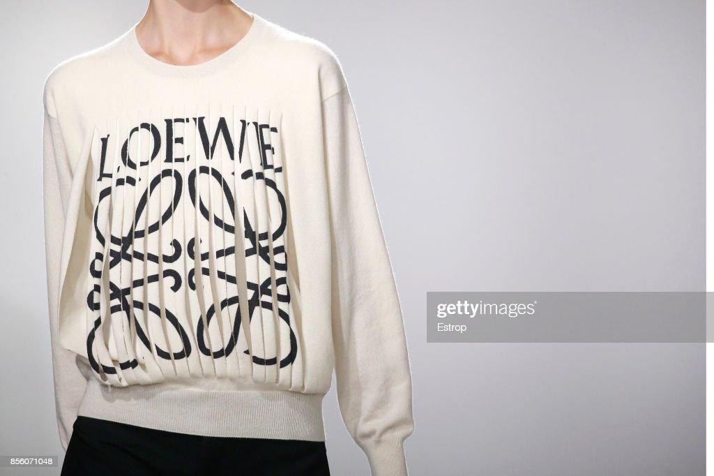 Loewe : Details - Paris  Fashion Week Womenswear Spring/Summer 2018 : ニュース写真
