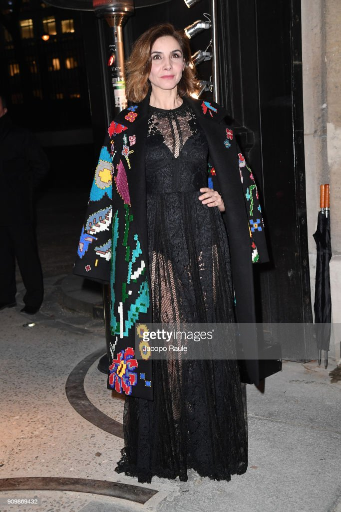 clotilde-courau-is-seen-arriving-at-valentino-haute-couture-spring-picture-id909869432