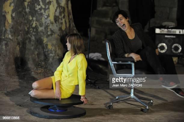 Clotilde Hesme et Jeanne Tremsal dans BAAL.
