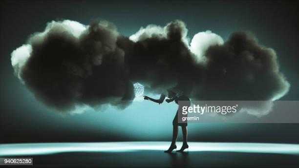 Imagen conceptual de Cloud computing de empresaria