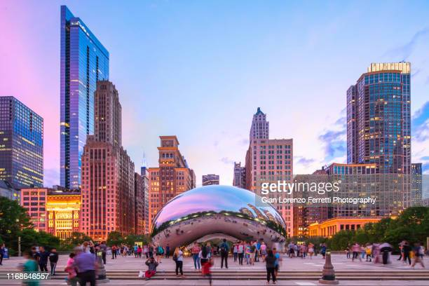 "cloud gate at dusk - ""the bean"" - chicago illinois stock pictures, royalty-free photos & images"