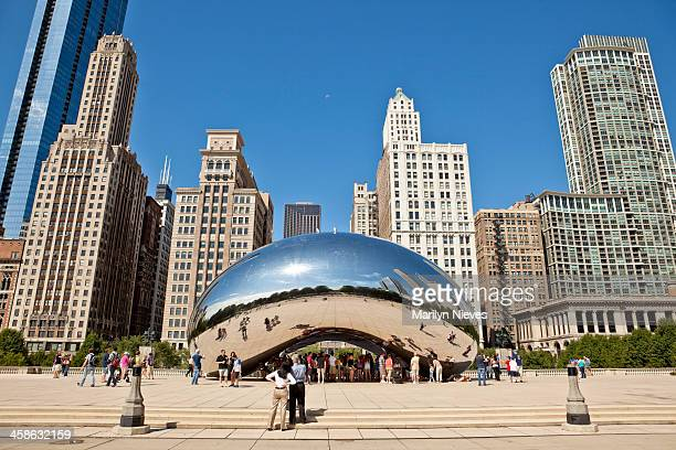 cloud gate in chicago - cloud gate stock photos and pictures