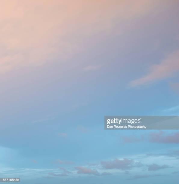 cloud typologies- blue gradient - emerger fotografías e imágenes de stock