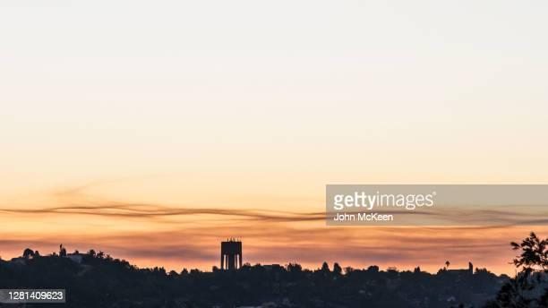 cloud whispering - bruma de calor fotografías e imágenes de stock