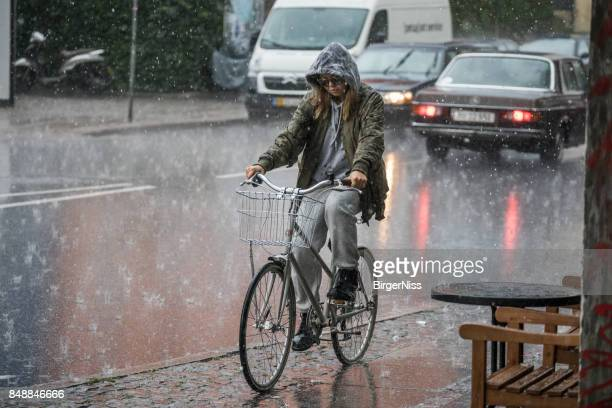 cloudburst in copenhagen, denmark - torrential rain stock pictures, royalty-free photos & images