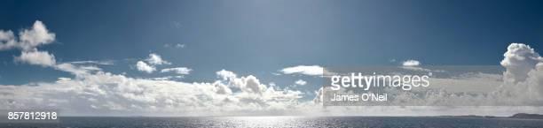 clouds and sea panoramic - panorâmica - fotografias e filmes do acervo
